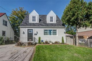 Main Photo: 21 EASTWOOD Street in Hamilton: Residential for sale : MLS®# H4039137