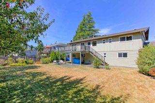 Photo 4: 5360 WALLACE Avenue in Delta: Pebble Hill House for sale (Tsawwassen)  : MLS®# R2325851