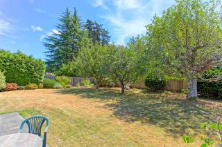 Photo 17: 5360 WALLACE Avenue in Delta: Pebble Hill House for sale (Tsawwassen)  : MLS®# R2325851