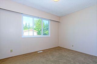 Photo 13: 5360 WALLACE Avenue in Delta: Pebble Hill House for sale (Tsawwassen)  : MLS®# R2325851
