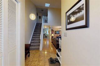 Photo 2: 10407 10 Avenue in Edmonton: Zone 16 House for sale : MLS®# E4142226