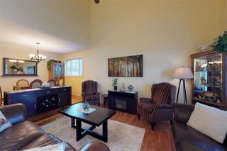 Photo 3: 10407 10 Avenue in Edmonton: Zone 16 House for sale : MLS®# E4142226