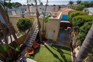 Photo 13: PACIFIC BEACH Twinhome for sale : 3 bedrooms : 1461 Chalcedony St in San Diego