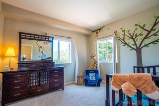 Photo 11: PACIFIC BEACH Twinhome for sale : 3 bedrooms : 1461 Chalcedony St in San Diego