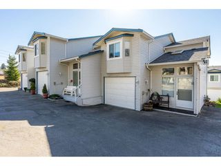 "Photo 1: 8 32752 4TH Avenue in Mission: Mission BC Townhouse for sale in ""Woodrose Estates"" : MLS®# R2349018"