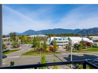 "Photo 19: 403 9130 CORBOULD Street in Chilliwack: Chilliwack W Young-Well Condo for sale in ""THE LEXINGTON"" : MLS®# R2362989"