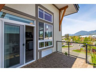 "Photo 18: 403 9130 CORBOULD Street in Chilliwack: Chilliwack W Young-Well Condo for sale in ""THE LEXINGTON"" : MLS®# R2362989"