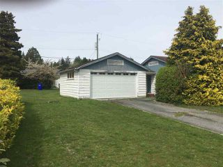 Photo 2: 5740 COWRIE Street in Sechelt: Sechelt District House for sale (Sunshine Coast)  : MLS®# R2364307