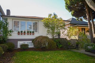 """Main Photo: 3280 E 44TH Avenue in Vancouver: Killarney VE House for sale in """"KILLARNEY"""" (Vancouver East)  : MLS®# R2368340"""