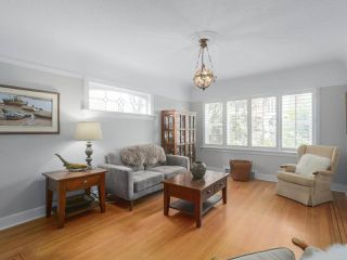 Photo 4: 4107 DUNDAS Street in Burnaby: Vancouver Heights House for sale (Burnaby North)  : MLS®# R2369700