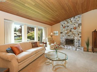Photo 2: 4362 Paramont Pl in VICTORIA: SE Gordon Head House for sale (Saanich East)  : MLS®# 814442