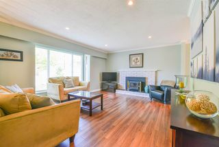 Photo 2: 10720 HOUSMAN Street in Richmond: Woodwards House for sale : MLS®# R2375846