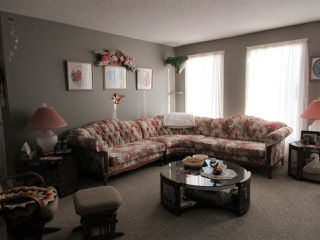 Photo 4: 5220 52 Street: Clyde House for sale : MLS®# E4161267