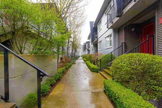 "Photo 3: 208 670 W 6TH Avenue in Vancouver: Fairview VW Townhouse for sale in ""Bohemia"" (Vancouver West)  : MLS®# R2379854"