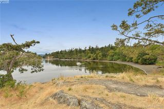 Photo 2: 409 75 W Gorge Road in VICTORIA: SW Gorge Condo Apartment for sale (Saanich West)  : MLS®# 413125