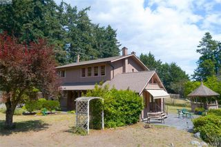 Photo 3: 4221 Glendenning Rd in VICTORIA: SE Blenkinsop Single Family Detached for sale (Saanich East)  : MLS®# 821064