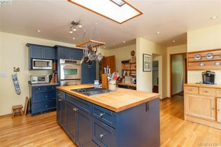 Photo 10: 4221 Glendenning Rd in VICTORIA: SE Blenkinsop Single Family Detached for sale (Saanich East)  : MLS®# 821064