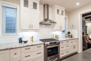 Photo 5: 8805 93 Street in Edmonton: Zone 18 House for sale : MLS®# E4176086