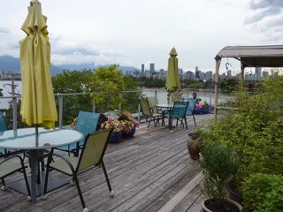 "Main Photo: 204 2430 POINT GREY Road in Vancouver: Kitsilano Condo for sale in ""BUENA VISTA"" (Vancouver West)  : MLS®# R2412260"