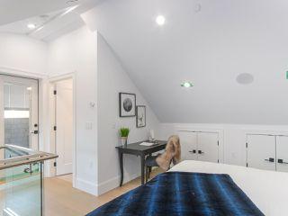 Photo 18: 620 E 11 AVENUE in Vancouver: Mount Pleasant VE 1/2 Duplex for sale (Vancouver East)  : MLS®# R2418353