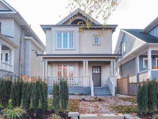 Photo 1: 620 E 11 AVENUE in Vancouver: Mount Pleasant VE 1/2 Duplex for sale (Vancouver East)  : MLS®# R2418353