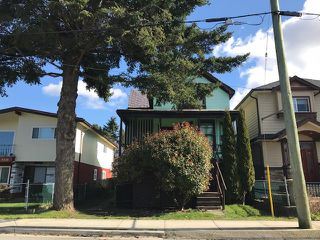 Photo 2: 4448 COMMERCIAL Street in Vancouver: Victoria VE House for sale (Vancouver East)  : MLS®# R2444951