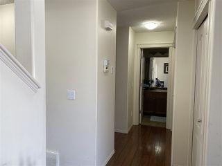 Photo 5: 3127 25 Avenue in Edmonton: Zone 30 House for sale : MLS®# E4196171