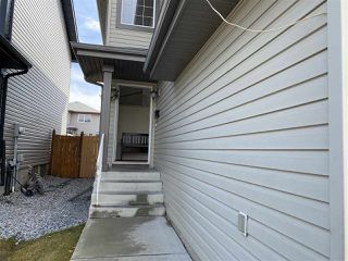 Photo 2: 3127 25 Avenue in Edmonton: Zone 30 House for sale : MLS®# E4196171