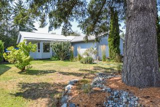 Photo 1: 2309 Willemar Ave in : CV Courtenay City Single Family Detached for sale (Comox Valley)  : MLS®# 855539
