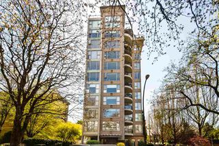 "Photo 1: 900 1788 W 13TH Avenue in Vancouver: Fairview VW Condo for sale in ""THE MAGNOLIA"" (Vancouver West)  : MLS®# R2497549"