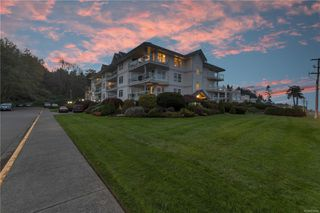 Photo 1: 217 390 S Island Hwy in : CR Campbell River Central Condo for sale (Campbell River)  : MLS®# 859440