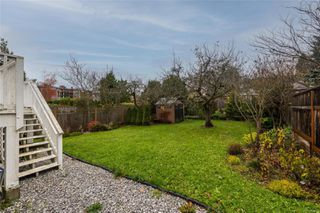 Photo 17: 1566 Yale St in : OB North Oak Bay House for sale (Oak Bay)  : MLS®# 860893