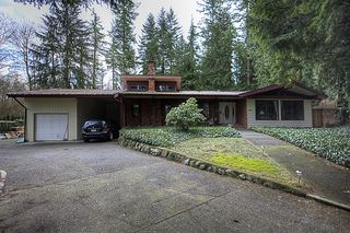 Photo 2: 15792 MOUNTAIN VIEW Drive in Surrey: Grandview Surrey House for sale (South Surrey White Rock)  : MLS®# F1107103
