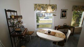 Photo 12: 1607 Rothesay Street in Winnipeg: North Kildonan Single Family Attached for sale (North East Winnipeg)  : MLS®# 1208017