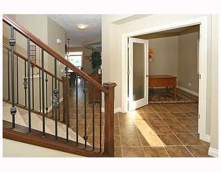 Photo 2: 136 Sunset Close in Cochrane: Residential Detached Single Family for sale : MLS®# C3403763