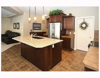 Photo 5: 136 Sunset Close in Cochrane: Residential Detached Single Family for sale : MLS®# C3403763