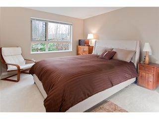 Photo 9: 120 700 Klahanie Drive in Port Moody: Port Moody Centre Condo for sale : MLS®# V923420