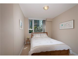 "Photo 14: 149 MILROSS Avenue in Vancouver: Mount Pleasant VE Townhouse for sale in ""CREEKSIDE"" (Vancouver East)  : MLS®# V1065710"