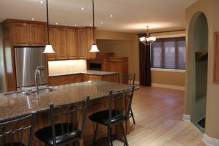 Photo 7: 12 GRAFTON Crescent SW in Calgary: Glamorgan Residential Detached Single Family for sale : MLS®# C3639838