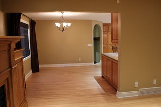 Photo 11: 12 GRAFTON Crescent SW in Calgary: Glamorgan Residential Detached Single Family for sale : MLS®# C3639838
