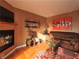 Photo 1: 405 832 Fisgard St in VICTORIA: Vi Central Park Condo for sale (Victoria)  : MLS®# 690148