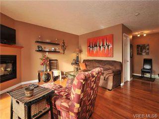 Photo 2: 405 832 Fisgard St in VICTORIA: Vi Central Park Condo for sale (Victoria)  : MLS®# 690148