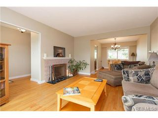 Photo 6: 930 Easter Rd in VICTORIA: SE Quadra Single Family Detached for sale (Saanich East)  : MLS®# 706890