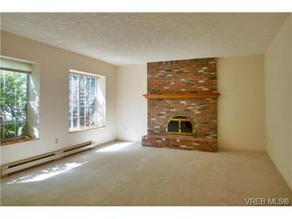 Photo 2: 4787 Amblewood Dr in VICTORIA: SE Cordova Bay House for sale (Saanich East)  : MLS®# 708497