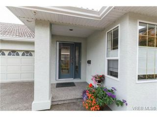 Photo 2: 10128 Third St in SIDNEY: Si Sidney North-East Half Duplex for sale (Sidney)  : MLS®# 712656