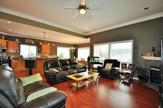 Photo 5: 7967 TUCKWELL Terrace in Mission: Mission BC House for sale : MLS®# R2010268