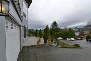 Photo 2: 1028 BUOY Drive in Coquitlam: Ranch Park House for sale : MLS®# R2025029