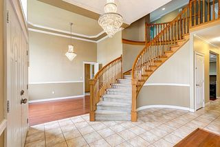 """Photo 3: 9363 160 Street in Surrey: Fleetwood Tynehead House for sale in """"Fleetwood Tynehead"""" : MLS®# R2058437"""
