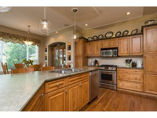 """Photo 8: 6220 167 Street in Surrey: Cloverdale BC House for sale in """"WEST CLOVERDALE"""" (Cloverdale)  : MLS®# R2093107"""