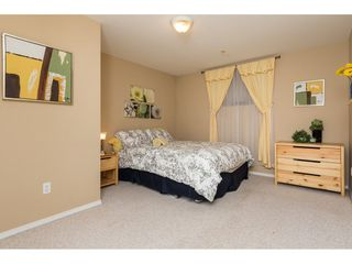 """Photo 18: 6220 167 Street in Surrey: Cloverdale BC House for sale in """"WEST CLOVERDALE"""" (Cloverdale)  : MLS®# R2093107"""